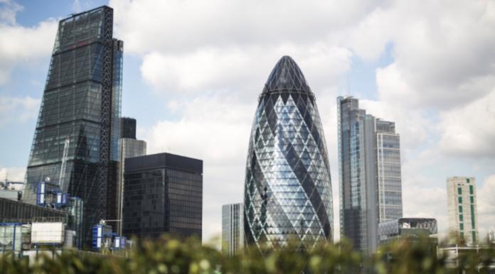 la France demande aux entreprises françaises du Royaume-Uni à se préparer au pire Brexit
