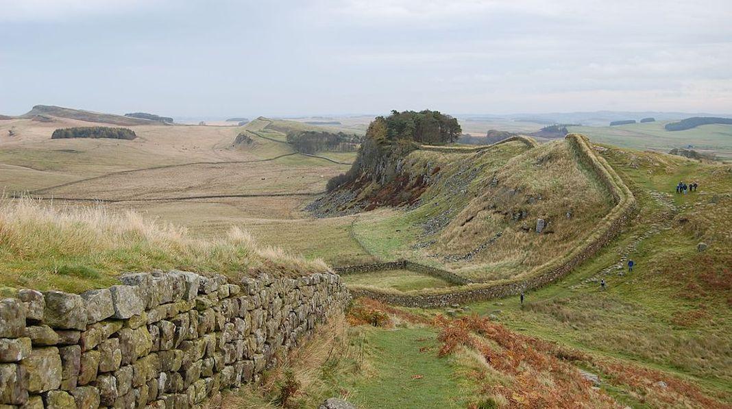 Hadrians Wall west of Housesteads randonnées royaume-uni