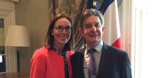 amelie de montchalin presse a londres les Francais à faire leur demande de settled status