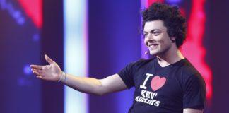"""Kev Adams en tournée pour son spectacle """"Sois 10 ans"""""""