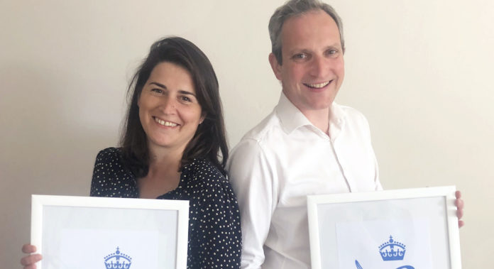 Beatrice et Arnaud de montille recompense queens award merci maman